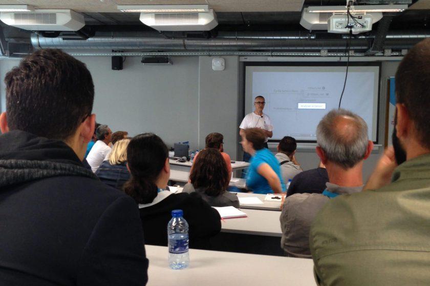 Cyrille Sanson-Stern parle au wordcamp marseille
